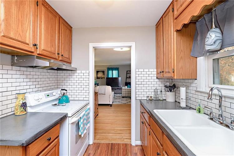 1827 E 66th Street Indianapolis, IN 46220 | MLS 21688284 | photo 10