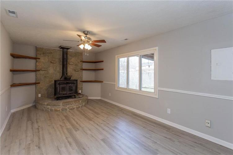 1707 Countryside Drive Indianapolis, IN 46231 | MLS 21688328 | photo 6