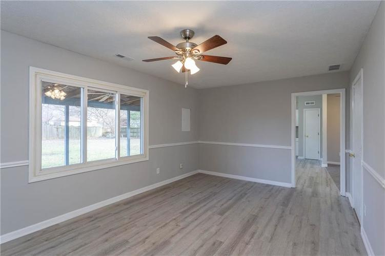1707 Countryside Drive Indianapolis, IN 46231 | MLS 21688328 | photo 7