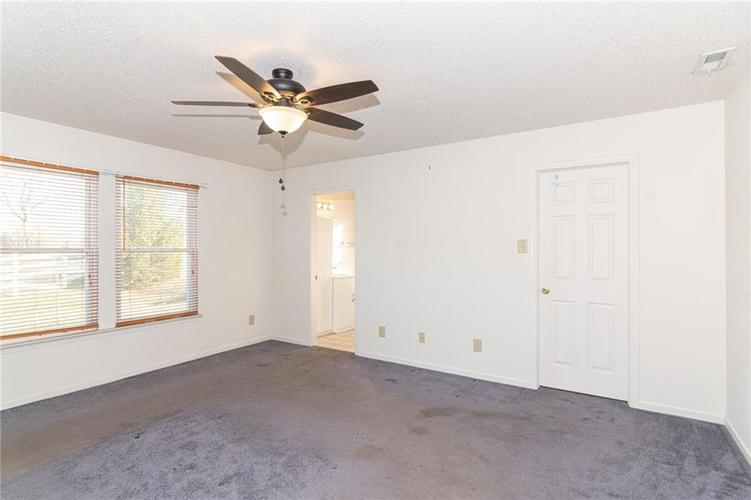 8263 Firefly Way Indianapolis, IN 46259   MLS 21688428   photo 17