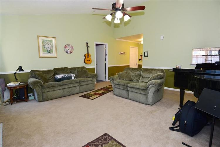 5603 Crystal Woods Drive Indianapolis, IN 46224 | MLS 21688437 | photo 10