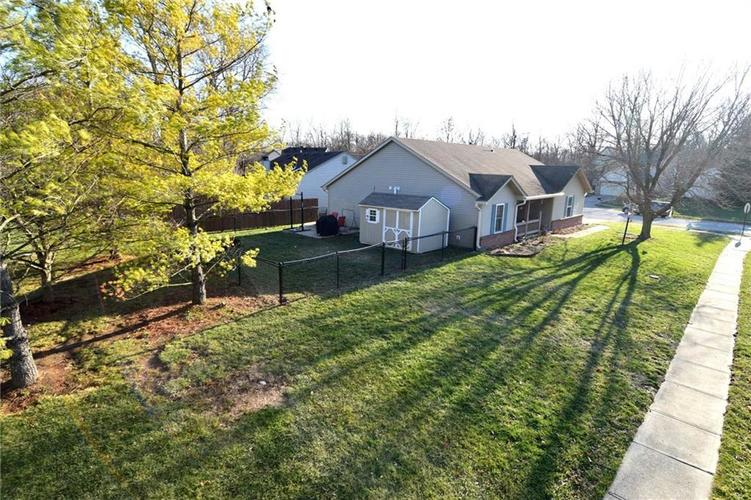 5603 Crystal Woods Drive Indianapolis, IN 46224 | MLS 21688437 | photo 2