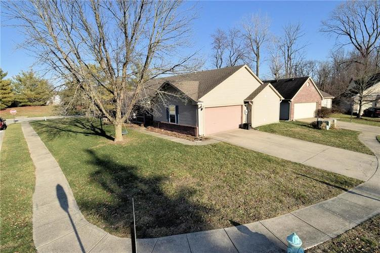 5603 Crystal Woods Drive Indianapolis, IN 46224 | MLS 21688437 | photo 3