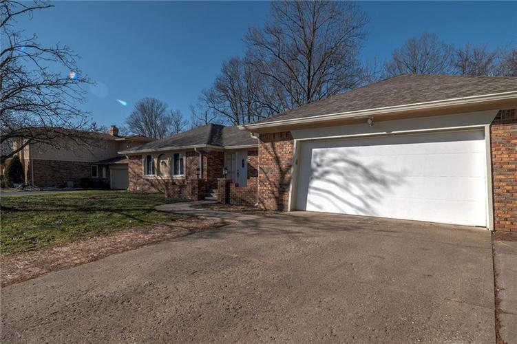 6540 Yellowstone Parkway Indianapolis, IN 46217   MLS 21688475   photo 4