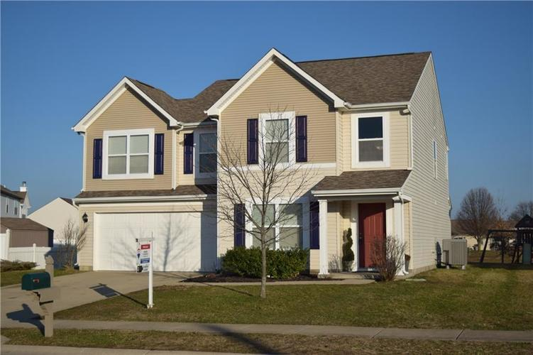 1285 NORTHCLIFFE Drive Avon, IN 46123 | MLS 21688509 | photo 1