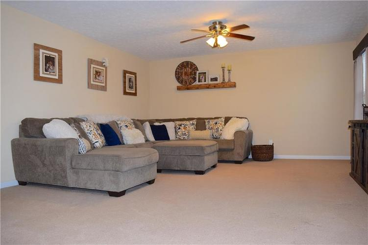 1285 NORTHCLIFFE Drive Avon, IN 46123 | MLS 21688509 | photo 17