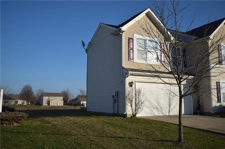 1285 NORTHCLIFFE Drive Avon, IN 46123 | MLS 21688509 | photo 2