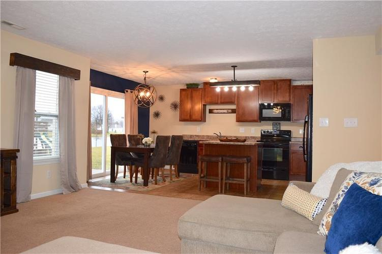 1285 NORTHCLIFFE Drive Avon, IN 46123 | MLS 21688509 | photo 20