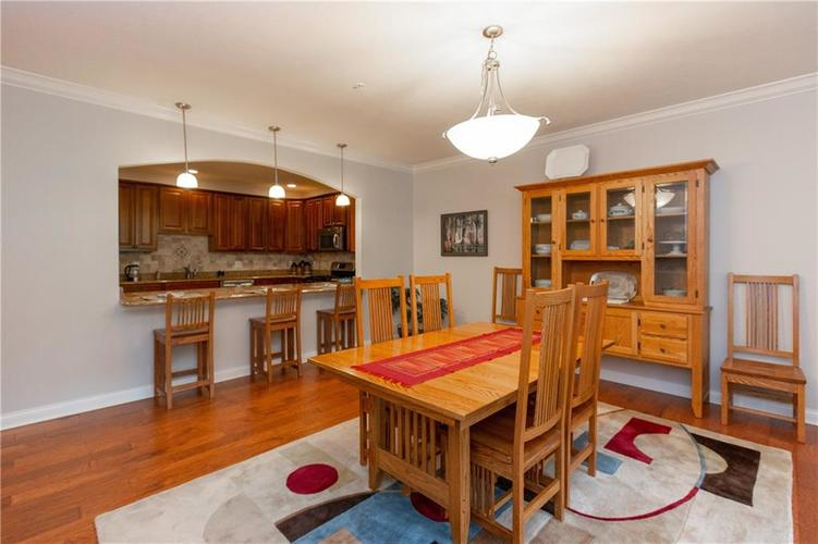 8555 One West Drive #204 Indianapolis, IN 46260 | MLS 21688606 | photo 13