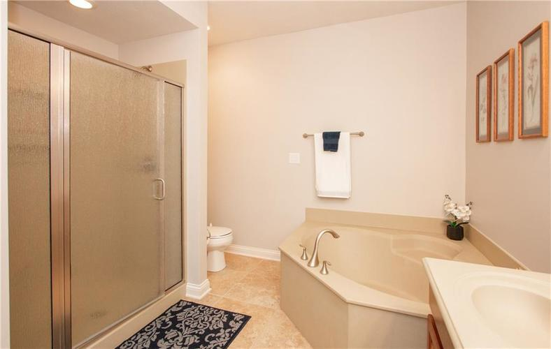 8555 One West Drive #204 Indianapolis, IN 46260 | MLS 21688606 | photo 21