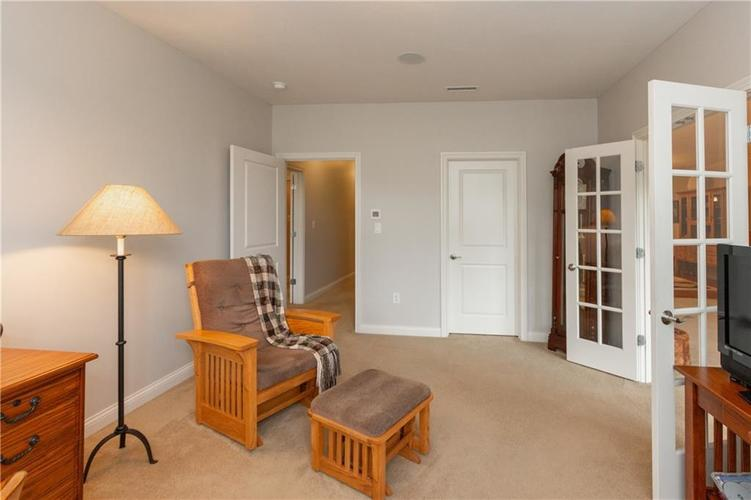 8555 One West Drive #204 Indianapolis, IN 46260 | MLS 21688606 | photo 26