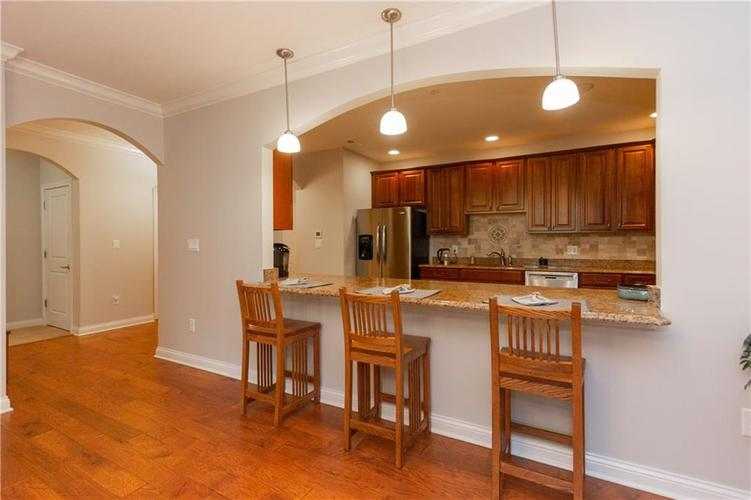 8555 One West Drive #204 Indianapolis, IN 46260 | MLS 21688606 | photo 9