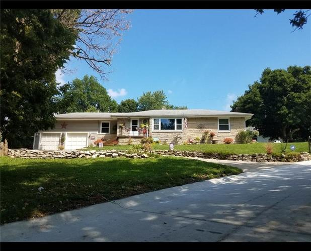 104  Hillcrest Drive Shelbyville, IN 46176 | MLS 21688633
