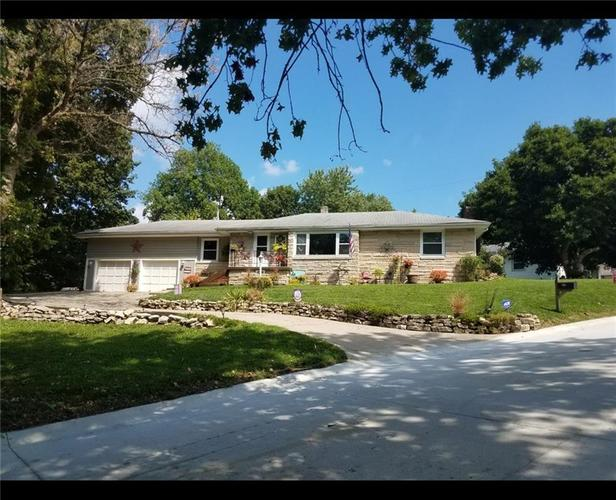 104 Hillcrest Drive Shelbyville, IN 46176 | MLS 21688633 | photo 2