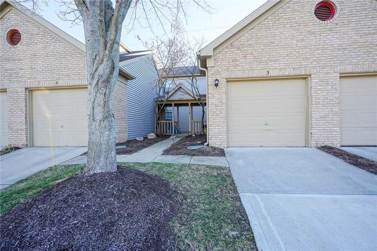 3657 Reflections Lane #3 Indianapolis, IN 46214 | MLS 21688686 | photo 2