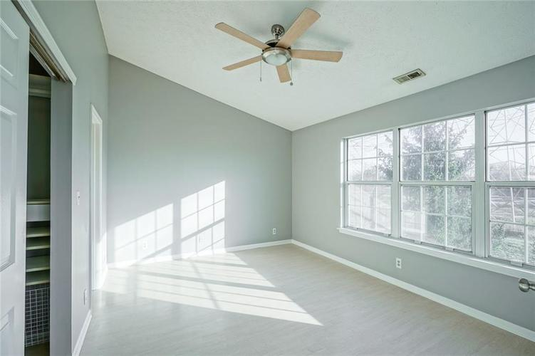 3657 Reflections Lane #3 Indianapolis, IN 46214 | MLS 21688686 | photo 20