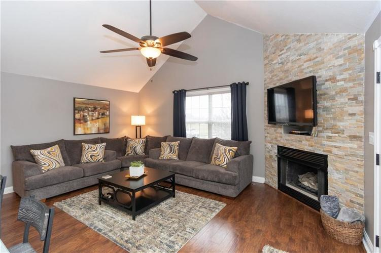 6004 Schooner Court Columbus, IN 47203 | MLS 21688764 | photo 12