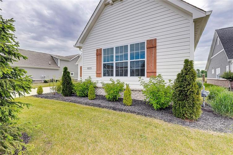 10273 Anees Lane Fishers IN 46040 | MLS 21688774 | photo 2