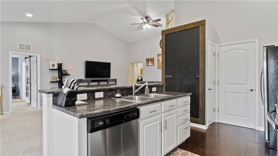 19423 Kailey Way Noblesville, IN 46062   MLS 21688830   photo 6