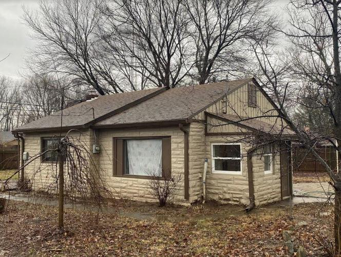 3045 W 60th Street Indianapolis, IN 46228 | MLS 21688895