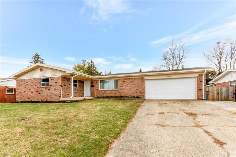 2221 Radcliffe Avenue Indianapolis, IN 46227 | MLS 21688899 | photo 1