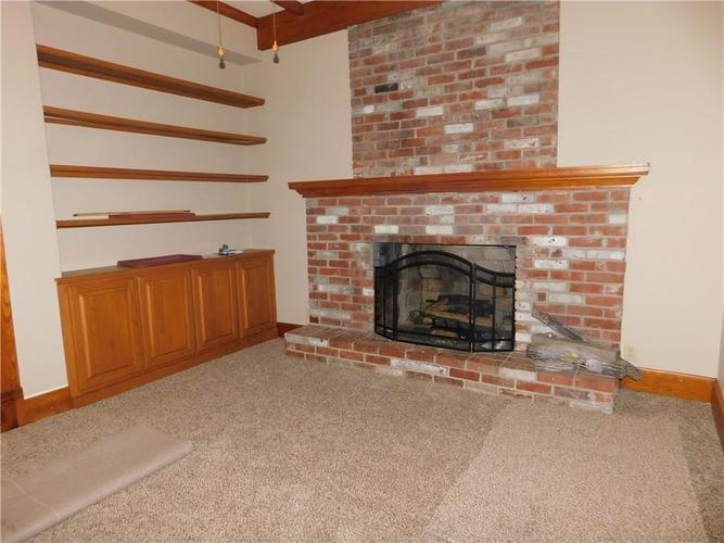 203 E South Street Morristown IN 46161 | MLS 21688941 | photo 10