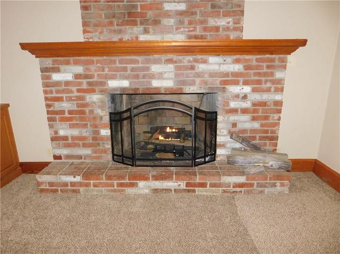 203 E South Street Morristown IN 46161 | MLS 21688941 | photo 11
