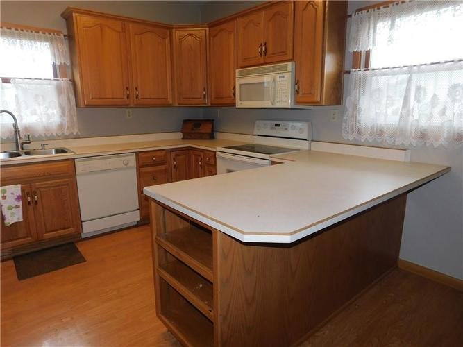 203 E South Street Morristown IN 46161 | MLS 21688941 | photo 13