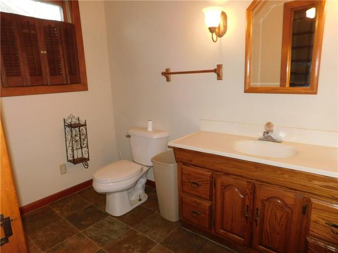 203 E South Street Morristown IN 46161 | MLS 21688941 | photo 14