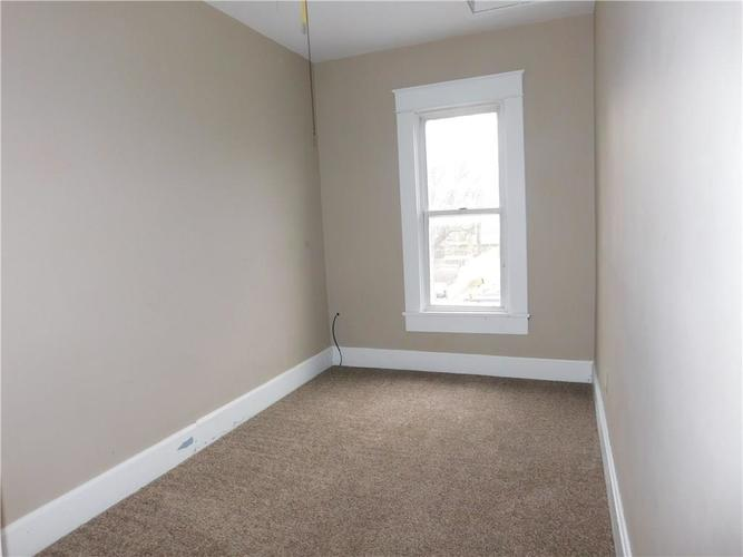 203 E South Street Morristown IN 46161 | MLS 21688941 | photo 21