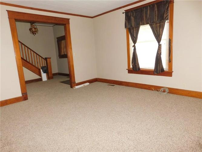 203 E South Street Morristown IN 46161 | MLS 21688941 | photo 4