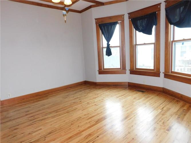 203 E South Street Morristown IN 46161 | MLS 21688941 | photo 6