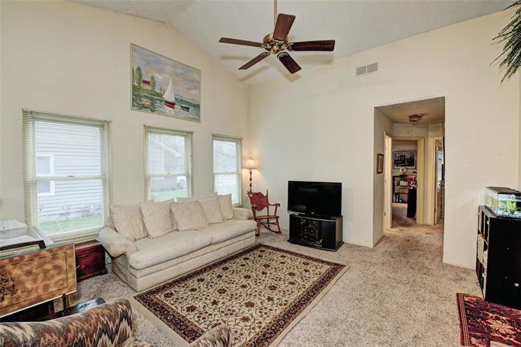 10540 MARLIN Court Indianapolis, IN 46256 | MLS 21689000 | photo 14