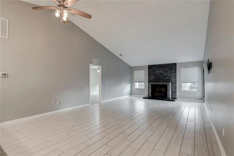 5561 Wythe Lane Indianapolis, IN 46234 | MLS 21689001 | photo 11