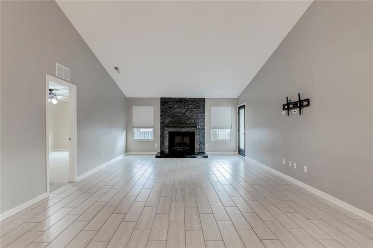 5561 Wythe Lane Indianapolis, IN 46234 | MLS 21689001 | photo 12