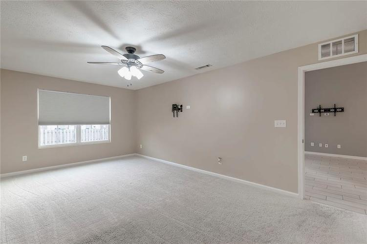 5561 Wythe Lane Indianapolis, IN 46234 | MLS 21689001 | photo 14
