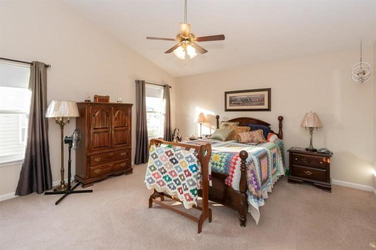 6533 SMITHFIELD Drive Indianapolis, IN 46237 | MLS 21689064 | photo 11