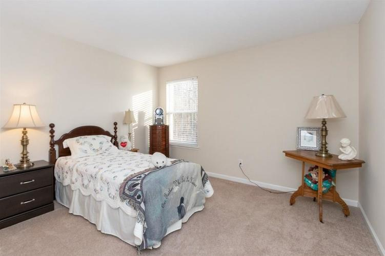 6533 SMITHFIELD Drive Indianapolis, IN 46237 | MLS 21689064 | photo 16