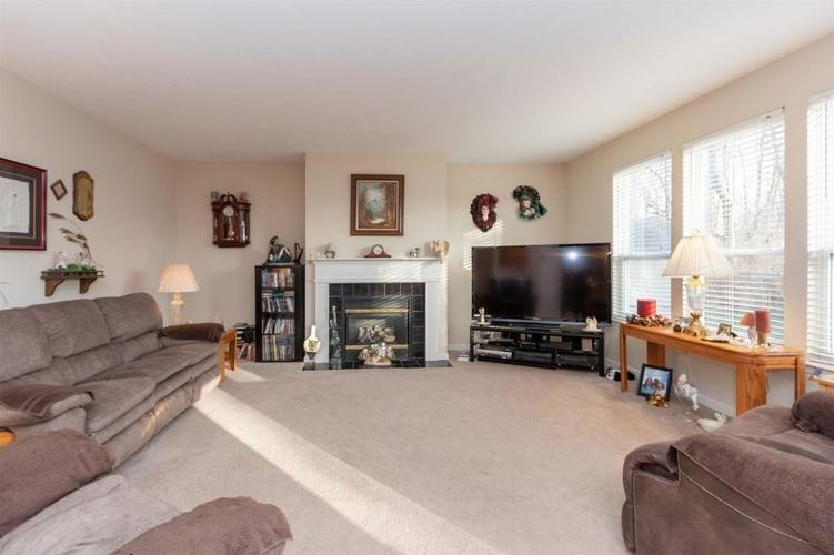 6533 SMITHFIELD Drive Indianapolis, IN 46237 | MLS 21689064 | photo 6