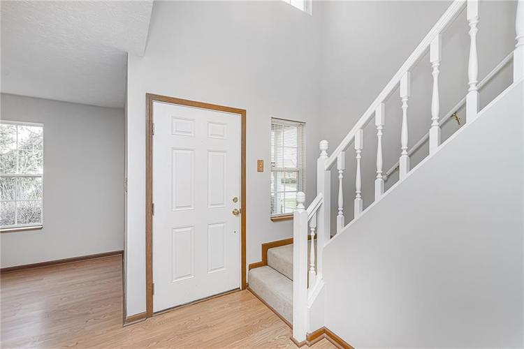 8929 Emperors Court Indianapolis, IN 46234 | MLS 21689113 | photo 3