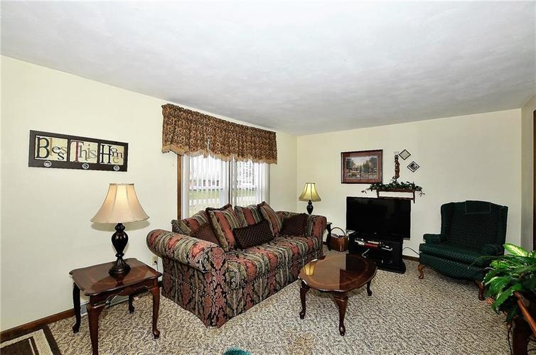 728 Country Lane Anderson, IN 46013 | MLS 21689117 | photo 10