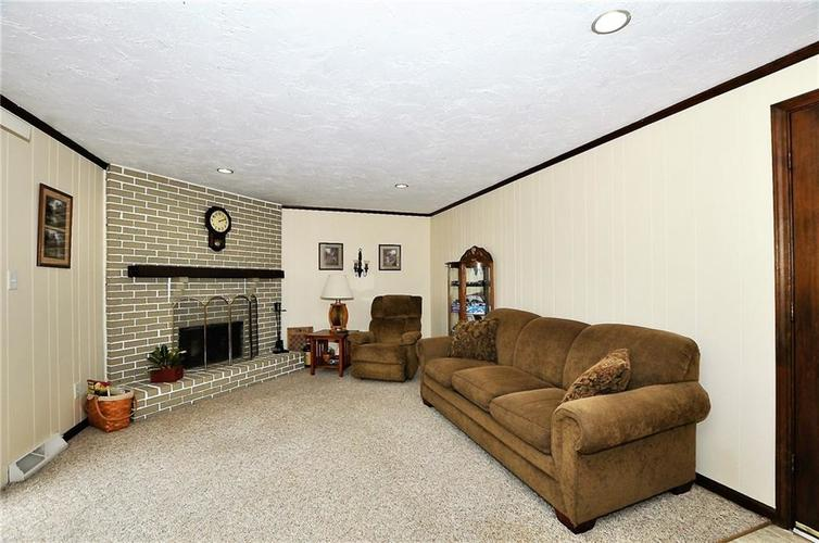 728 Country Lane Anderson, IN 46013 | MLS 21689117 | photo 24