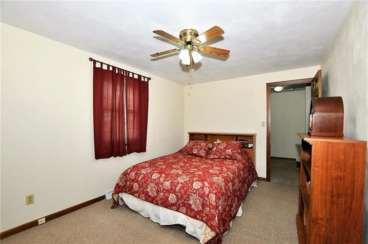 728 Country Lane Anderson, IN 46013 | MLS 21689117 | photo 35