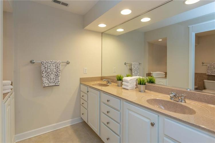 8690 Jaffa Court West Dr #28 Indianapolis, IN 46260 | MLS 21689118 | photo 16