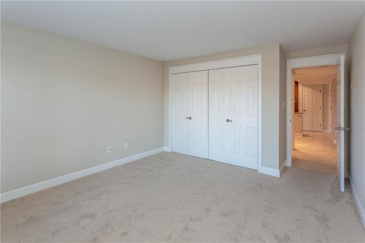 8690 Jaffa Court West Dr #28 Indianapolis, IN 46260 | MLS 21689118 | photo 19
