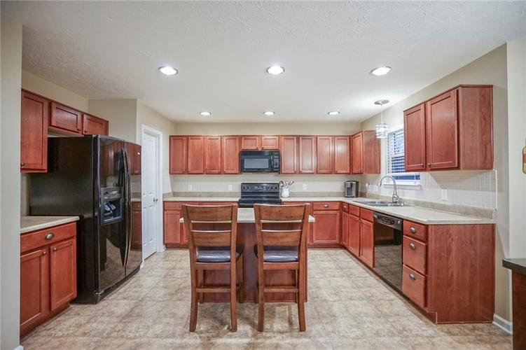 11926 Wynsom Court Fishers, IN 46038 | MLS 21689174 | photo 11