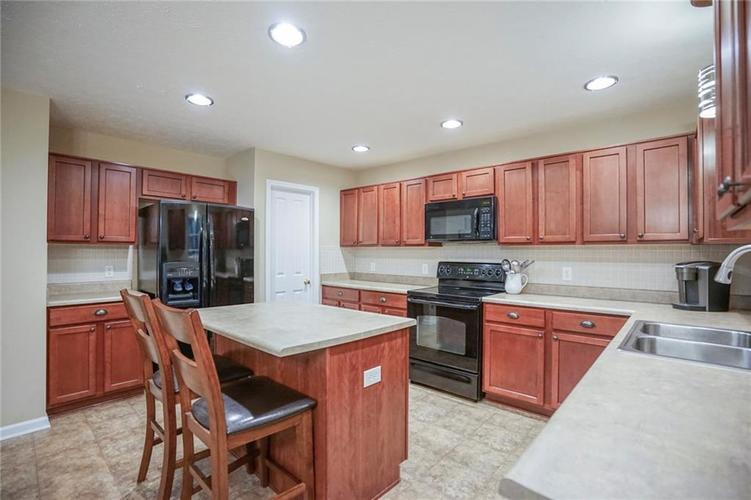 11926 Wynsom Court Fishers, IN 46038 | MLS 21689174 | photo 13