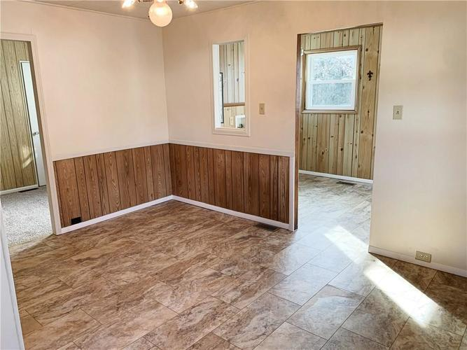 629 FEDERAL Drive Anderson, IN 46013 | MLS 21689184 | photo 10