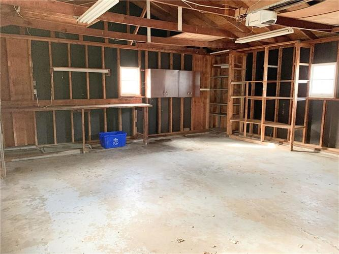629 FEDERAL Drive Anderson, IN 46013 | MLS 21689184 | photo 17