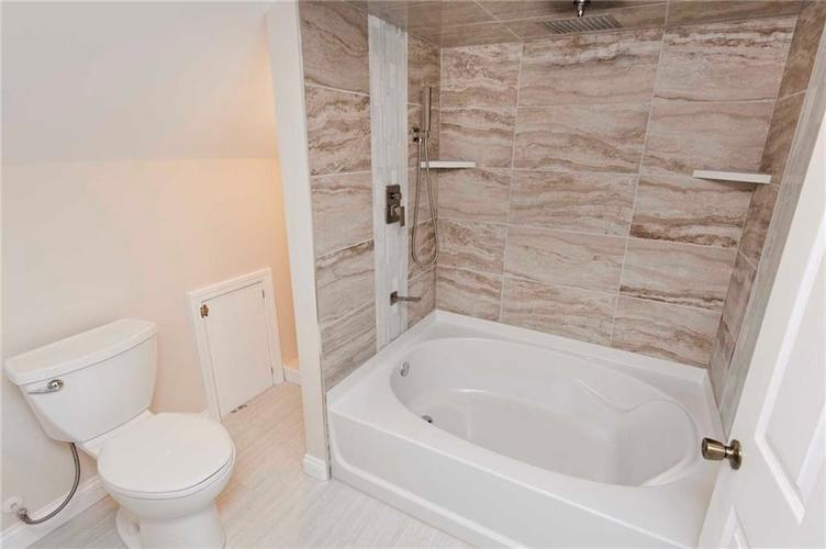 4137 Norrose Drive Indianapolis, IN 46226 | MLS 21689244 | photo 16